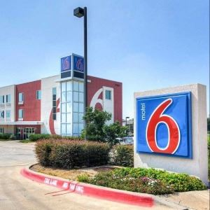 Motel 6 Cropped